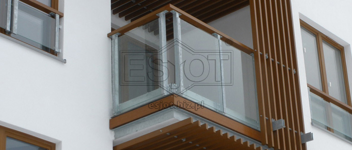 Balustrades on balconies made of hot-galvanised steel