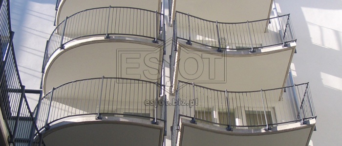 Balustrade made of powder-coated steel